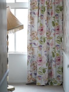カーテン通販専門店cucan オーダーカーテン Disney 施工イメージ02
